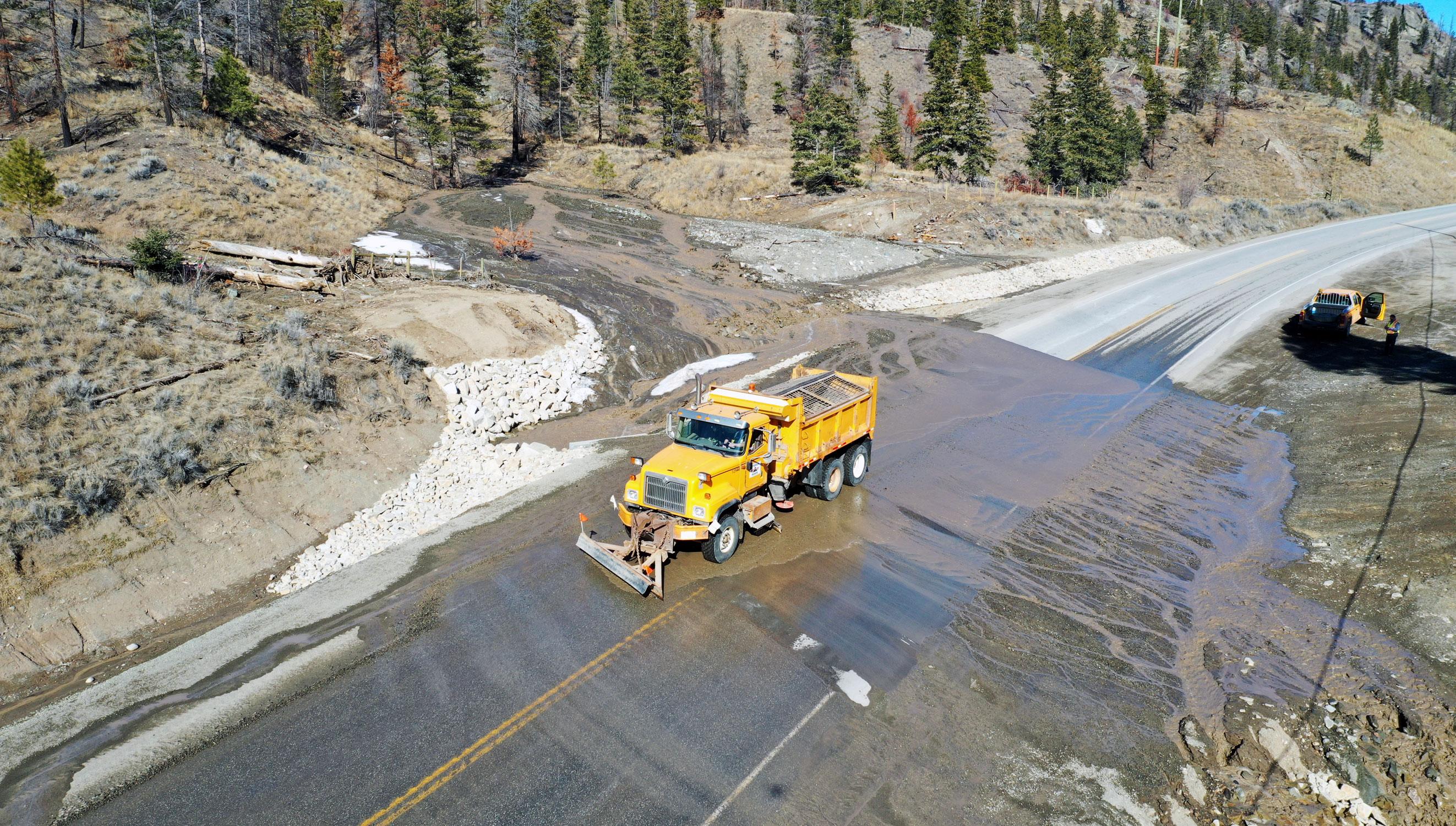 Clinton, British Columbia Mudslide Dawson Road Maintenance